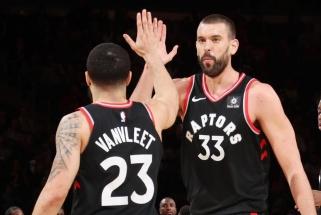 NBA čempionai užfiksavo rekordinį rezultatyvių perdavimų skaičių klubo istorijoje