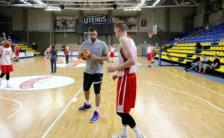 J.Valančiūnas gimtojoje Utenoje tapo treneriu (VIDEO)