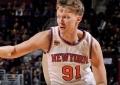 """M.Kuzminskas sėkmingai debiutavo NBA, bet """"Knicks"""" skaudžiai pralaimėjo čempionams"""