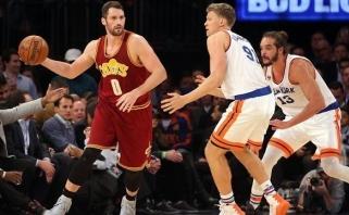 """Čempionai sutriuškino """"Knicks"""", M.Kuzminskas žaidė neužtikrintai"""