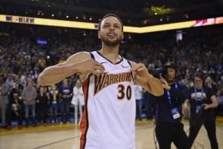 """""""Warriors"""" gerbėjams pateikė siurprizą - pasirodė su retro marškinėliais """"We Believe"""""""