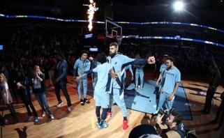 """J.Valančiūnas ir """"Grizzlies"""" parbloškė """"Rockets"""" bei užfiksavo trejus metus neregėtą seriją"""