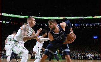 """Rezultatyviausiai žaidęs J.Valančiūnas neišgelbėjo """"Grizzlies"""" nuo sutriuškinimo Bostone"""