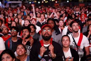 """Toronte išaušo didžioji diena: ar """"Raptors"""" pribaigs skilinėjančius NBA čempionus?"""