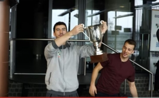 """Žalgiriečiai išsiaiškino čempionų duetą """"FIFA17"""" žaidime (video)"""
