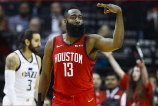 """""""Rockets"""" ir """"Jazz"""" atkrintamųjų serija prasidėjo lengva teksasiečių pergale"""