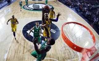 """Triuškinamą atsilikimą panaikinę """"Darussafaka"""" krepšininkai įveikė """"Maccabi"""""""