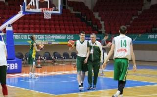 R.Grigas mače su rusais tikisi geresnės kovos dėl atšokusių kamuolių (komentarai)