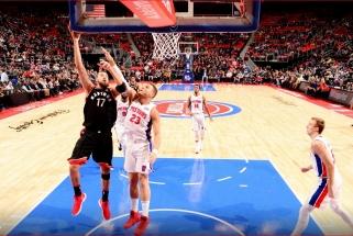 """""""Raptors"""" laimėjo po pratęsimo, D.Sabonis nepadėjo """"Pacers"""" išvengti pažeminimo"""