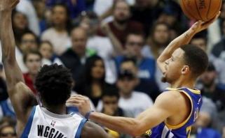 """S.Curry vėl nekrito, bet """"Warriors"""" neleido sau pralaimėti antrą kartą iš eilės"""
