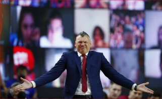 """Trofėjus išslydo iš Jasikevičiaus glėbio: Eurolygą pirmą kartą laimėjo """"Anadolu Efes"""""""
