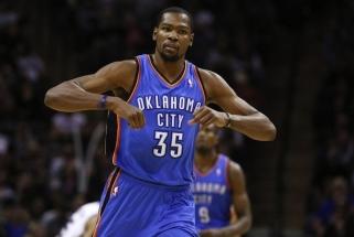 """""""Warriors"""" NBA finalą pradėjo užtikrinta pergale prieš """"Cavaliers"""""""
