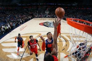 """NBA: Westbrooko rekordo nepakako - nusileista Davisą praradusiems """"Pelicans"""", """"Knicks"""" nutraukė gėdingą seriją"""