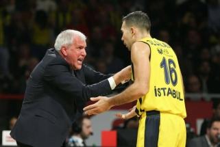 """K.Sloukas svarstys savo ateitį Stambule, jei Ž.Obradovičius paliks """"Fenerbahče"""""""