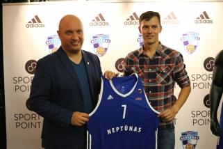 """""""Neptūnas"""" ir """"Adidas"""" tapo partneriais: pristatytos naujosios klubo aprangos"""