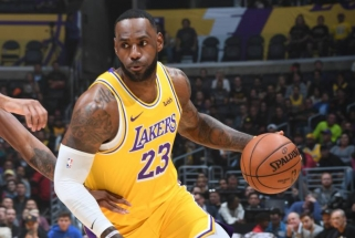 L.Jamesas - pirmasis NBA istorijoje surinkęs trigubą dublį prieš kiekvieną komandą