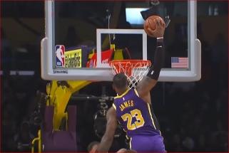 NBA Top 10 viršūnėje - L.Jameso skrydis ir pergalingas M.Monko šūvis