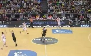 Bilbao klubo su T.Šležu sezoną palaidojo metimas iš kitos aikštės pusės (video)