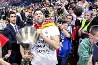 """""""Real"""" pratęsė kontraktą su 39-erių kapitonu F.Reyesu"""