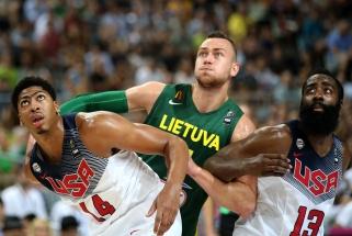 """Oficialu: D.Motiejūnas grįžta į NBA arenas - sukirto rankomis su """"Pelicans"""""""