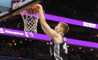 """""""Juodasis penktadienis"""" latviškai: D.Bertanis NBA sužaidė karjeros mačą"""