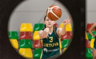17-metės užtikrintai įveikė FIBA turnyro pirmąjį etapą ir žengė į ketvirtfinalį