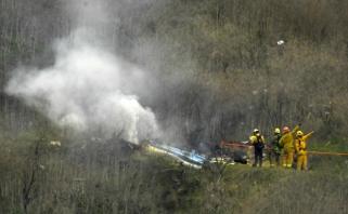 Sraigtasparnio, kuriame žuvo K.Bryantas, piloto atstovas dėl tragedijos kaltina keleivius