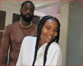 D.Wade'as visiškai apsinuogino nuotraukoje su žmona gimtadienio proga
