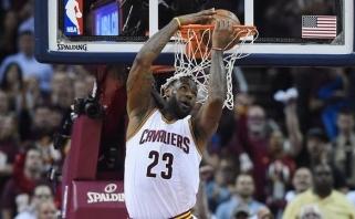 """L.Jamesas ir """"Cavaliers"""" nepasiduoda: namuose sušvelnino NBA finalo serijos rezultatą"""
