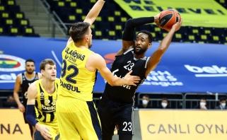 """""""Fenerbahče"""" su Ulanovu atsigauna - iškovojo antrą pergalę iš eilės"""