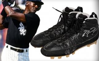 M.Jordano beisbolo bateliai parduoti už įspūdingą sumą