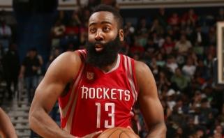 """NBA naktis: pavojinga """"Lakers"""" pergalių serija ir J.Hardeno keturgubas dublis"""