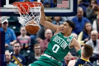 """J.Tatumas: NBA sezono pristabdymas pakenks """"Raptors"""" ir """"Bucks"""""""