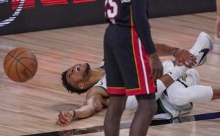 """Giannis - rūbinėje, pergalė - kišenėje; """"Lakers"""" išlygino seriją"""