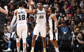"""""""Spurs"""" su D.Motiejūnu persvėrė serijos rezultatą, laimėjo """"76ers"""" ir """"Warriors"""""""