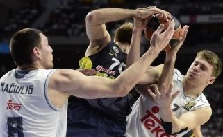 """""""Real"""" su J.Mačiuliu laimėjo trilerį Stambule - ištempė 17-metis L.Dončičius"""