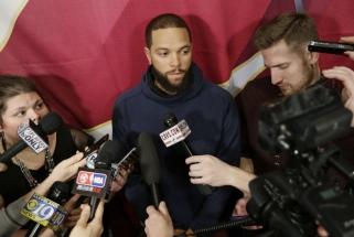 Rimta paspirtis: NBA čempionus sustiprino D.Williamsas, vilioja A.Bogutą
