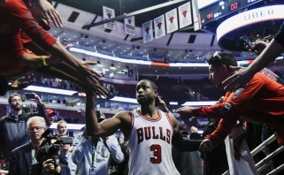NBA: D.Wade'o debiutas Čikagoje, agresyvios aistros Portlande ir kita (rezultatai)