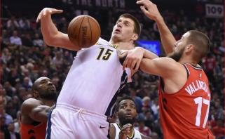 """""""Pacers"""" su grįžusiu Saboniu nukovė čempionus, Valančiūnas neprilygo serbui"""