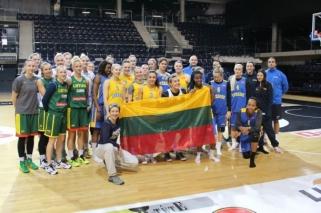 Su gimtadieniu Lietuvą drauge pasveikino Švedijos ir Lietuvos moterų rinktinės