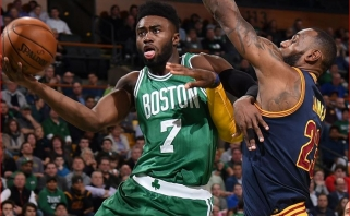 """""""Celtics"""" puolėjas J.Brownas: mano mokytoja sakė, kad po penkerių metų atsidursiu kalėjime"""