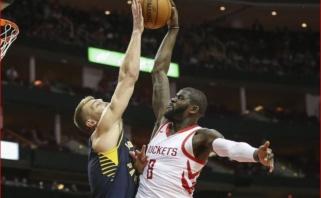 """D.Sabonio dvigubas dublis padėjo """"Pacers"""" palaužti vienus NBA lyderių"""