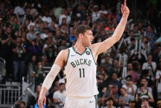 """Be lyderio laimėję """"Bucks"""" – per žingsnį nuo NBA finalo"""