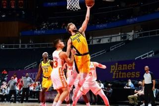 """""""Pacers"""" su naudingu Saboniu panaikino 20 taškų deficitą, tačiau krito Atlantoje"""