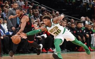 """Fantastiškas karjeros rekordą pagerinusio Irvingo žaidimas paskandino """"Raptors"""" Bostone"""