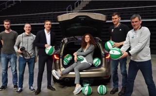 """""""Renault Grandtour"""" pristatymas su žalgiriečiais: kiek kamuolių telpa bagažinėje?"""