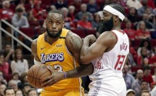 """LeBronas pratęsė """"Rockets"""" nesėkmių ruožą, 11 M.Smarto tritaškių neišgelbėjo """"Celtics"""""""