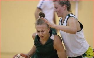Merginos pasirengimą Europos čempionatui pradėjo pralaimėjimu rusėms
