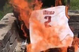 """Vos vieną sezoną """"Celtics"""" praleidęs K.Irvingas kalba apie savo numerio įamžinimą"""
