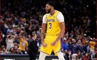 """Dauguma NBA komandų vadovų mano, kad """"Lakers"""" pavyks išlaikyti A.Davisą"""